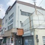 府道に面した立地・1階に飲食店やパン屋さんあり